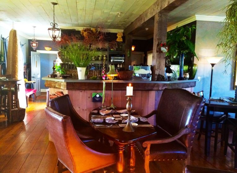 Inside the Pearl Eatery